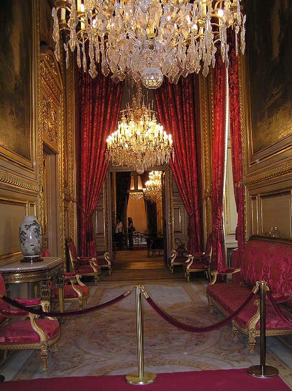 Le Louvre, ses fantômes et ses stars 1_1_1_90