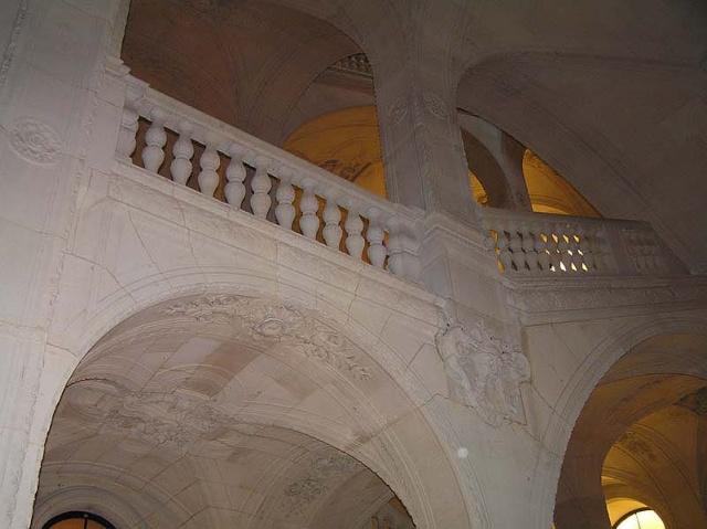 Le Louvre, ses fantômes et ses stars Alou_e10