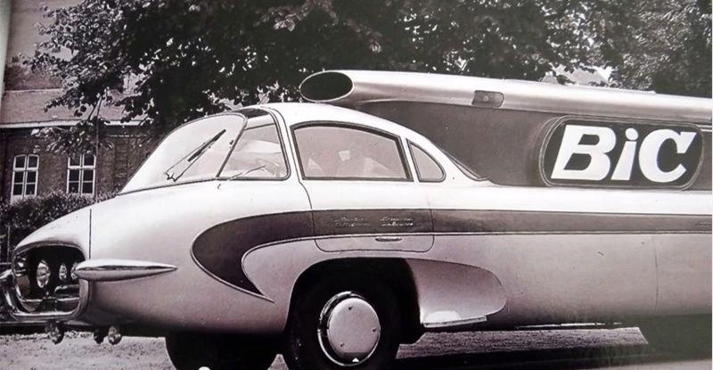 2015 > NOUVEAU > Hachette Collections + AUTO PLUS > La fabuleuse histoire des véhicules publicitaires - Page 6 Captur40