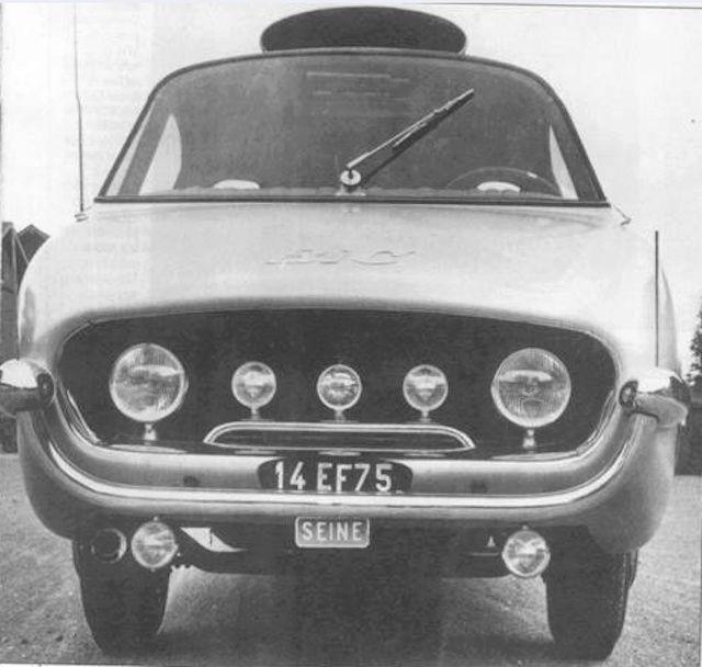 2015 > NOUVEAU > Hachette Collections + AUTO PLUS > La fabuleuse histoire des véhicules publicitaires - Page 6 Captur41