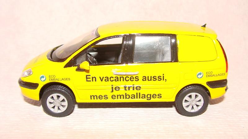 2015 > NOUVEAU > Hachette Collections + AUTO PLUS > La fabuleuse histoire des véhicules publicitaires - Page 6 Dsc06912