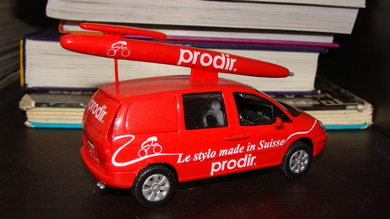 2015 > NOUVEAU > Hachette Collections + AUTO PLUS > La fabuleuse histoire des véhicules publicitaires - Page 6 Dsc07110