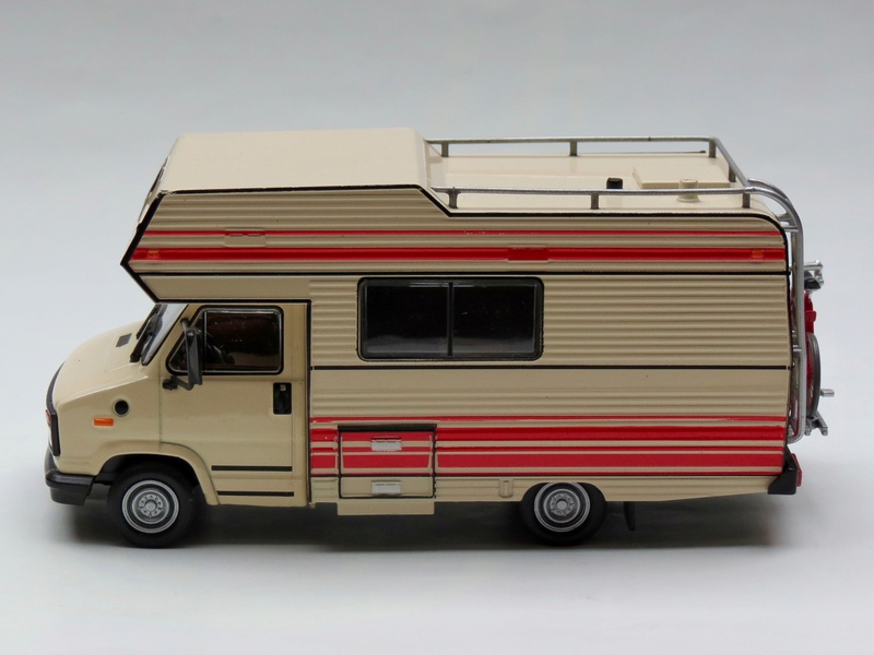 """2017 - Hachette Collections > """"Passion CAMPING-CARS"""" Pilote20"""