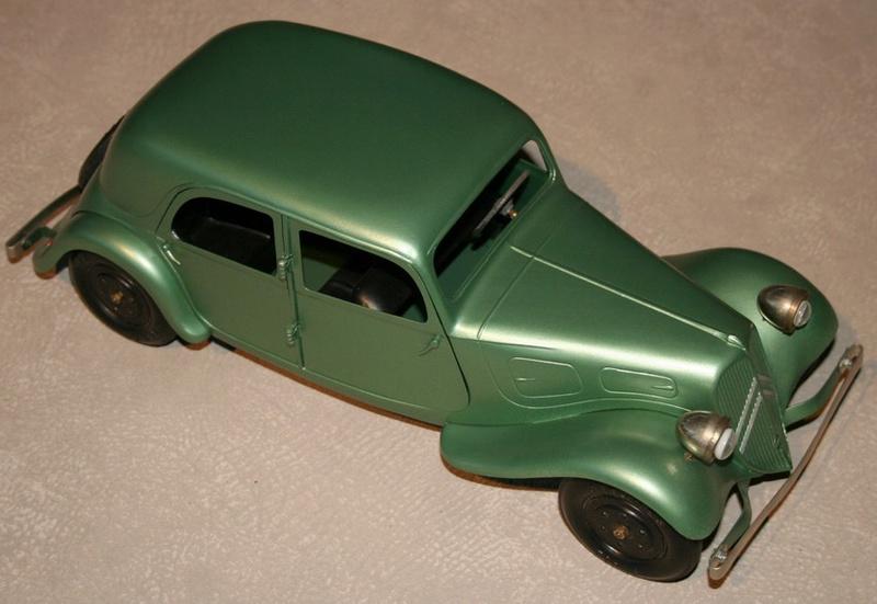 Citroën, les jouets en tôle - CIJ : Les ateliers de Briare  Tracti10