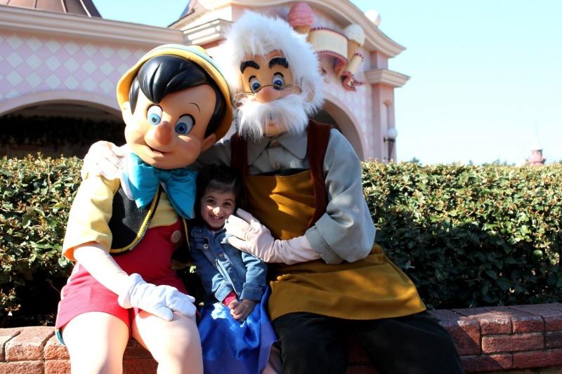 Vos photos avec les Personnages Disney - Page 2 Img_1811