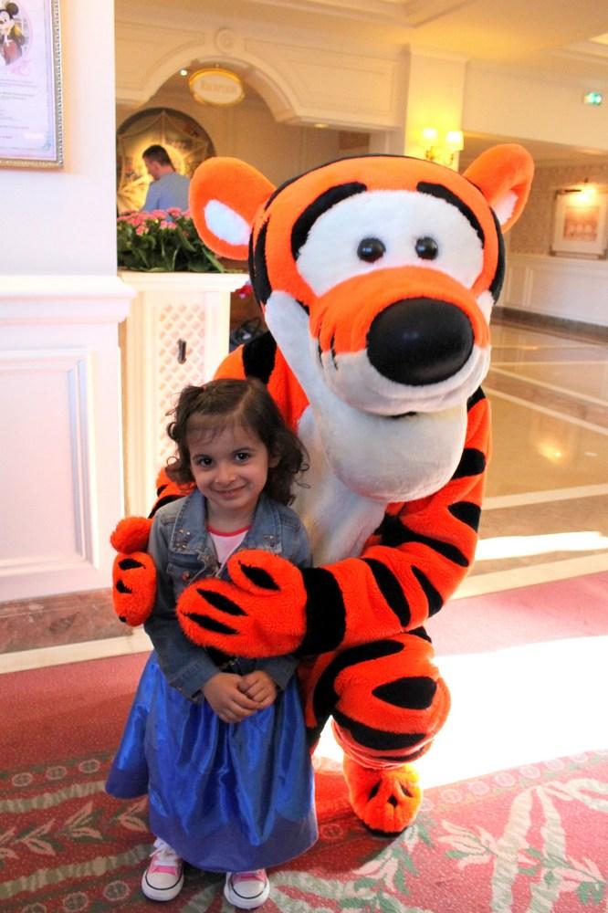 Vos photos avec les Personnages Disney - Page 2 Img_2115