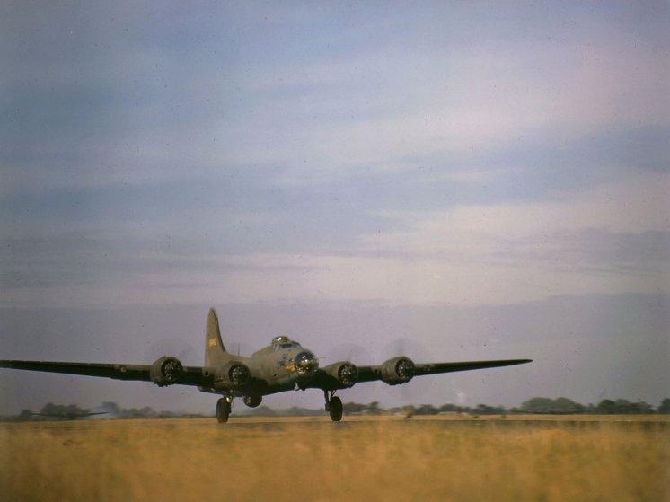 UN MIRACLE EN 1943 PENDANT LA SECONDE GUERRE MONDIALE B17_en10