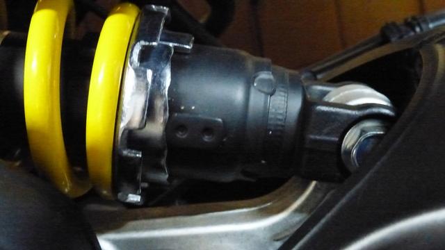Réglages fourche et amortisseur XSR900 P1060812