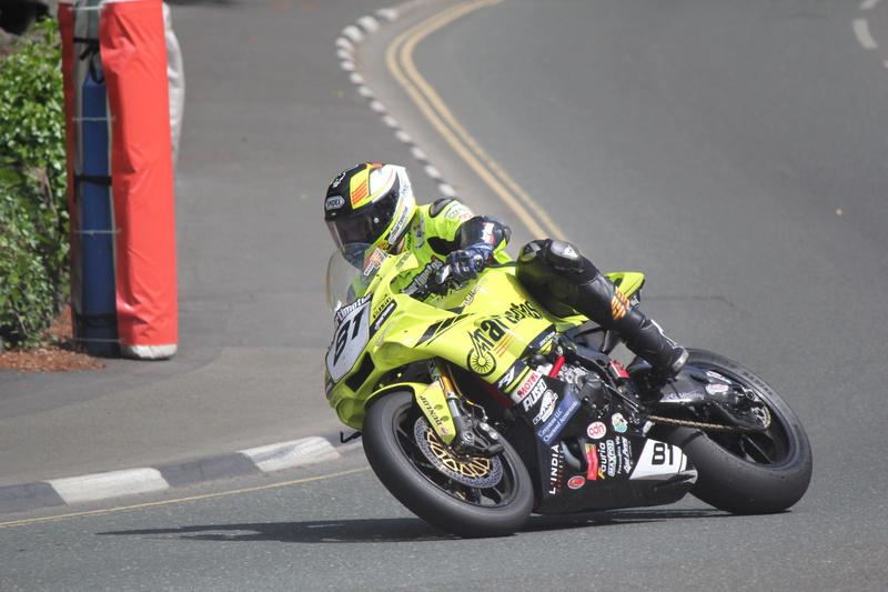 [Road Racing] TT 2017 - Page 24 Raul_t10