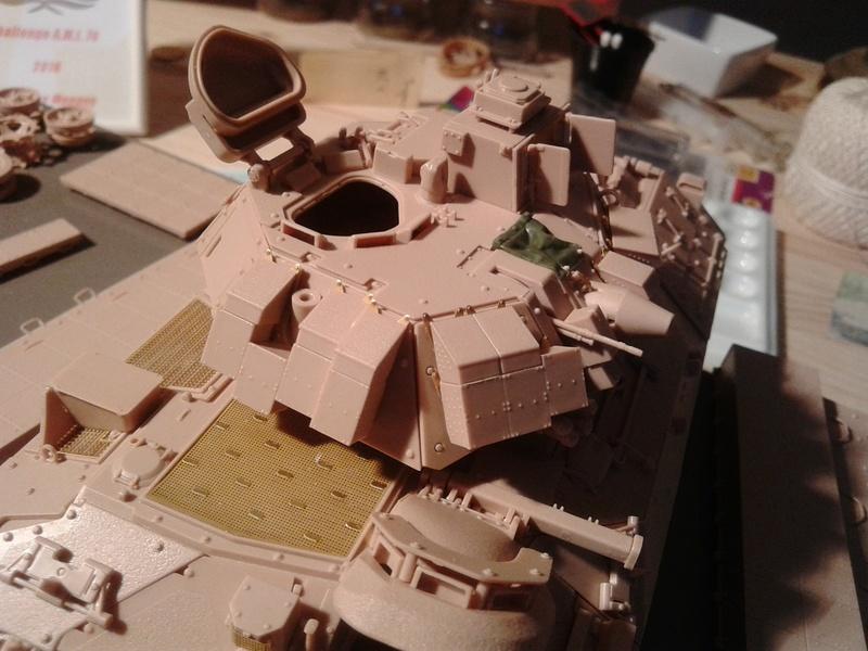 M3A3 Bradley 1/35 de chez Meng - Page 2 Img_2045