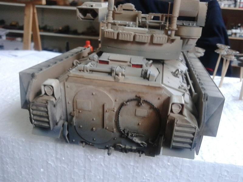 M3A3 Bradley 1/35 de chez Meng - Page 3 Img_2091
