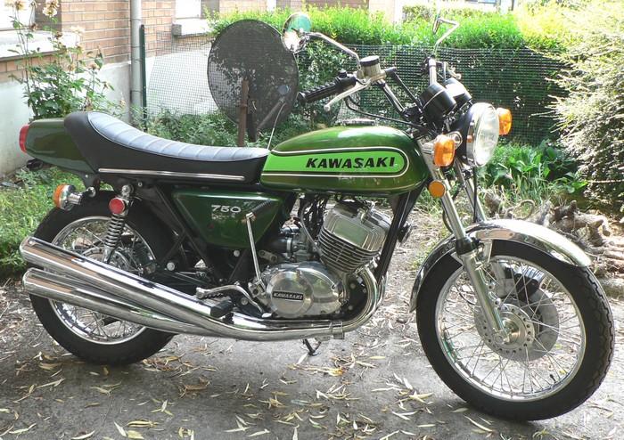 Votre plus belle moto du monde. Img_0310