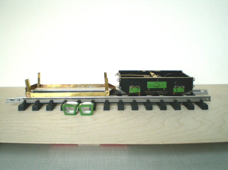 Straßenbahntriebwagen mit Sommerwagen entsteht Maßstab 1:24 Fahrwe11