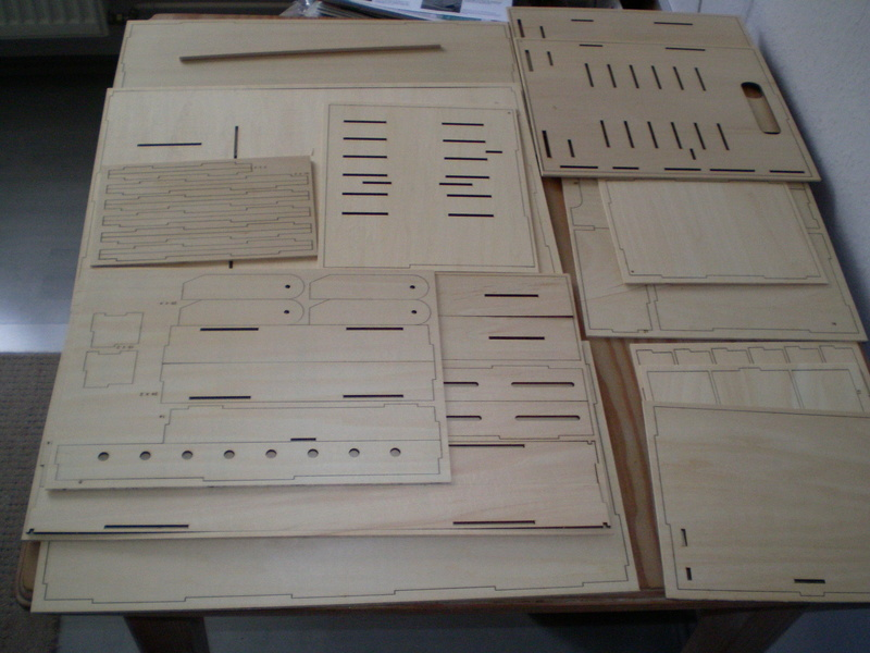 Artesania Latina Werkzeugbox Sany0815