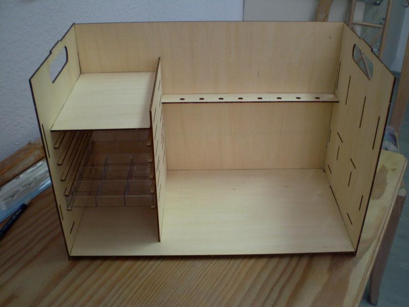 Artesania Latina Werkzeugbox Sany0818