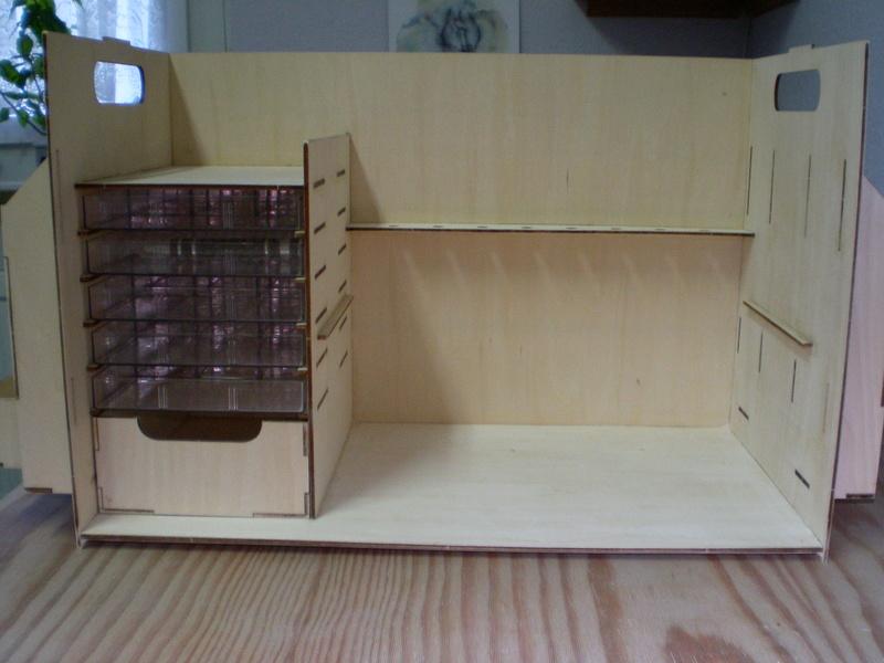 Artesania Latina Werkzeugbox Sany0819