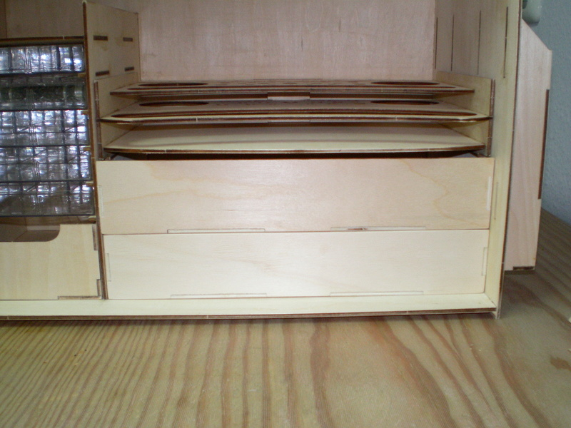Artesania Latina Werkzeugbox Sany0826