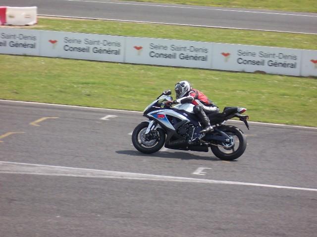marché de la moto 2013 - Page 2 100_6210