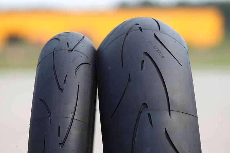 sportsmart, S20, Rosso Corsa, Pilot power.... et autres pneu route/piste. - Page 4 Reifen10