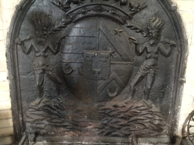 demand de dessin : plaque de cheminée. Img_1710