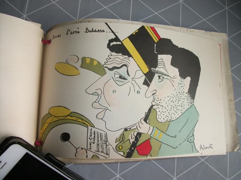 Livres caricaturales 23_04210