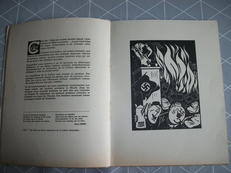 Livres caricaturales 23_05410