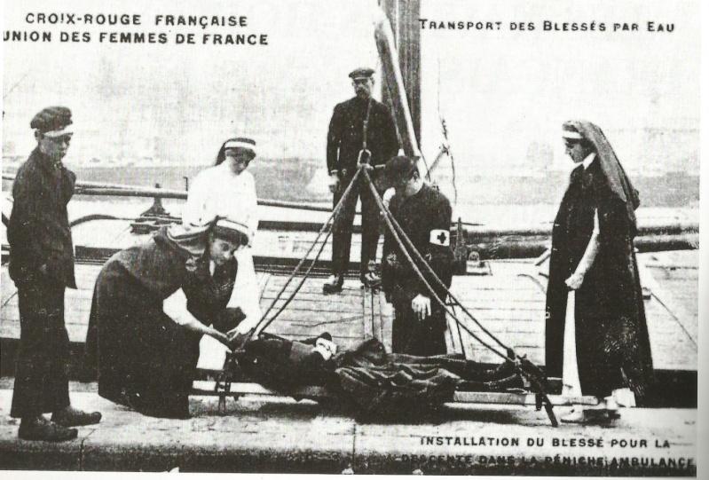 Navires hôpitaux - Page 4 Embarq10