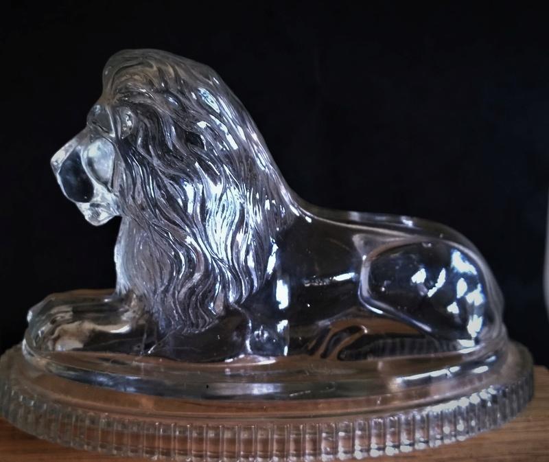 Glass Lion Wp_20139