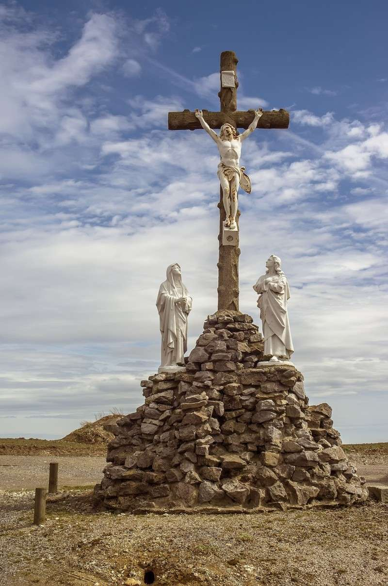 FIL ROUGE : Les croix - Page 2 Imgp7210