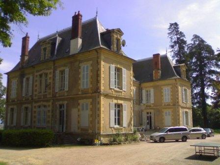 Une des nombreuses demeures françaises chauffée plaquettes  Demeur10