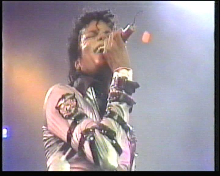 Bad Tour Rome - Rock With You & Dirty Diana Bad_to14
