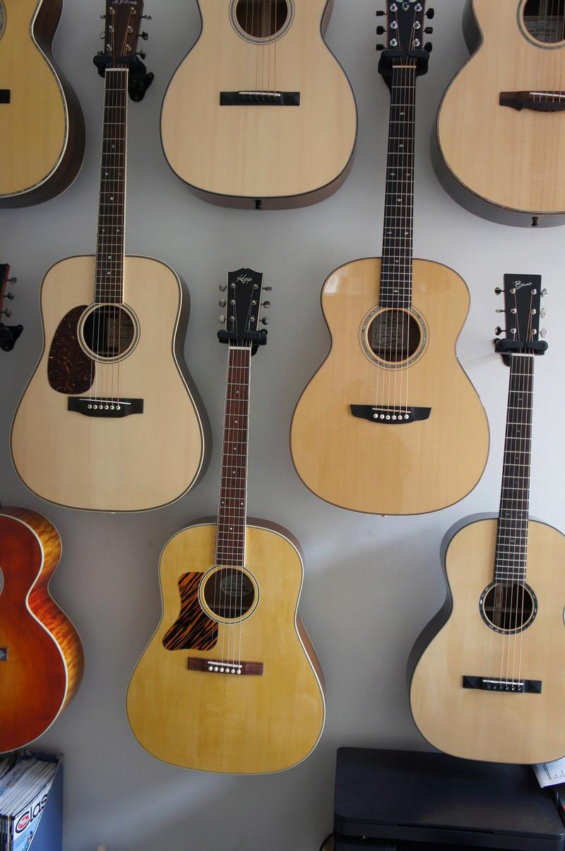 """Votre endroit """"guitare"""" - Page 3 Dsc01011"""