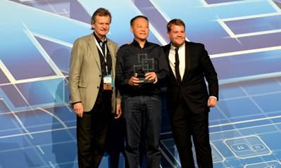 Le HTC One remporte le premier prix, du meilleur téléphone de 2013 au MWC 2014 E5cfe710