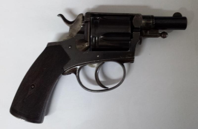 Revolver 8mm92 20131110