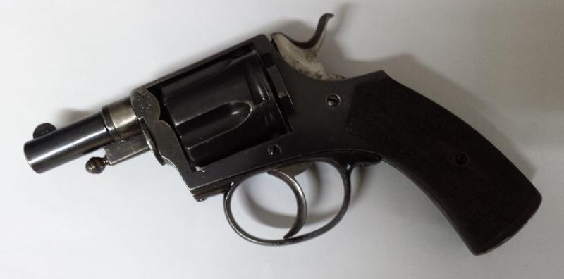 Revolver 8mm92 20131112