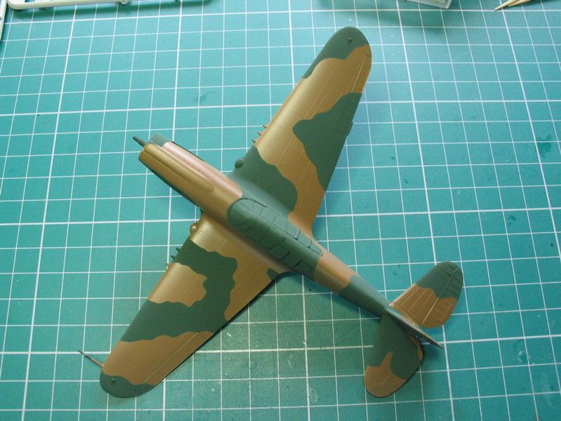 16h pour un ch'ti P40 E de l'USAAF (HobbyBoss au 72) - Page 2 P40_e_47