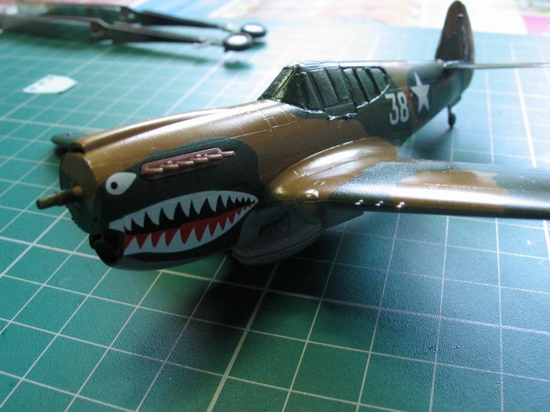 16h pour un ch'ti P40 E de l'USAAF (HobbyBoss au 72) - Page 3 P40_e_55