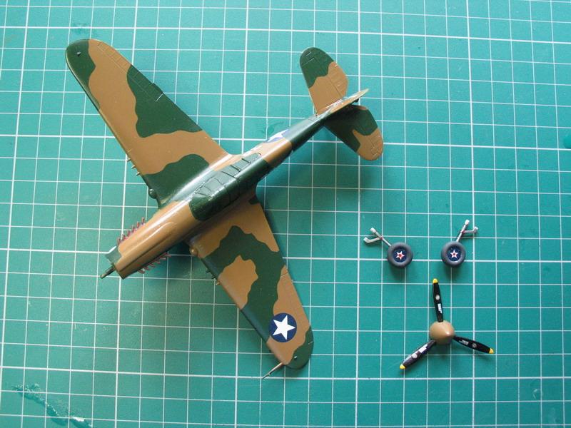 16h pour un ch'ti P40 E de l'USAAF (HobbyBoss au 72) - Page 3 P40_e_57