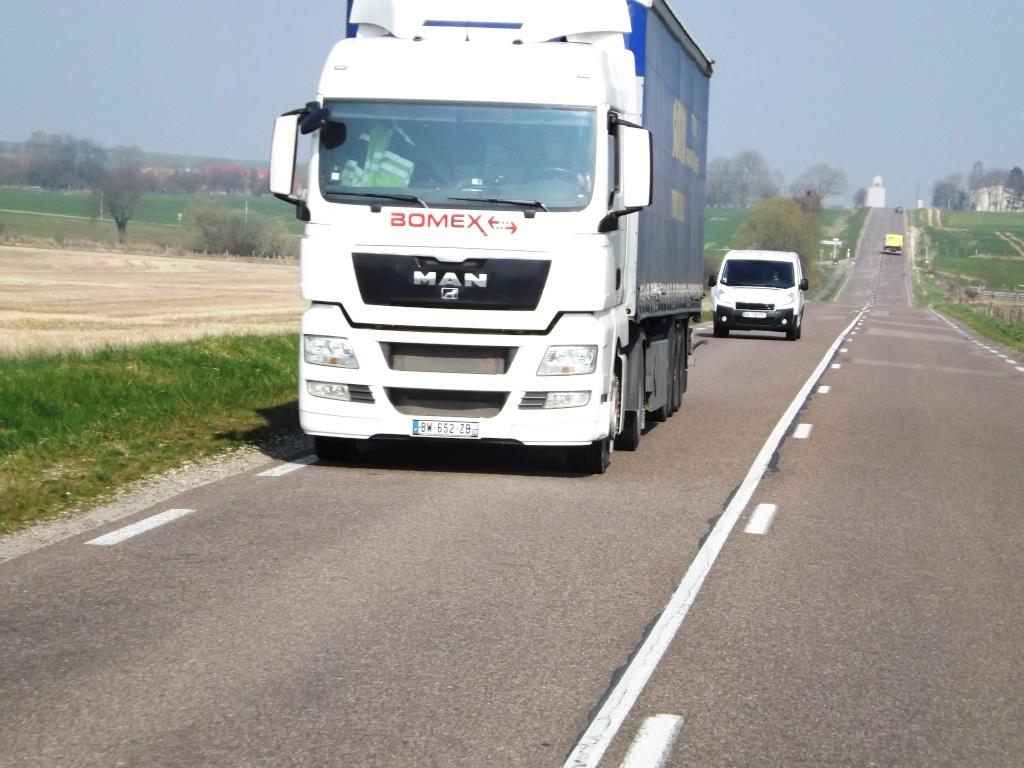 Bomex (Saint Gérèon) (44) (groupe TMG Transports Marcel Garnier) - Page 4 Dscf3549