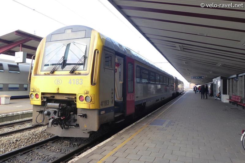 SNCB voyager avec le train Ar41_010