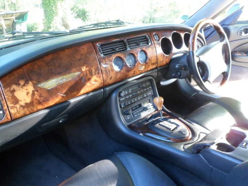 Comparatif Porsche Boxster 986 / Jaguar XK8 !!! Jaguar77