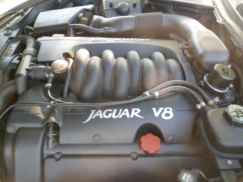 Comparatif Porsche Boxster 986 / Jaguar XK8 !!! Jaguar78