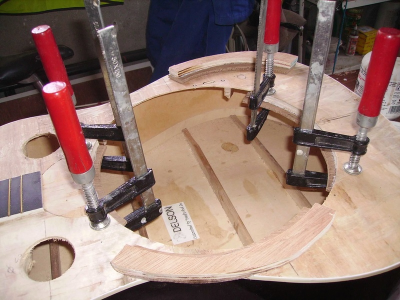Fabrication d'une guitare à résonnateur Pict8825