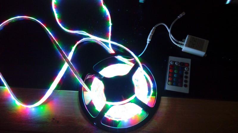Eclairage intérieur tente - Ruban LED ? Img_2010