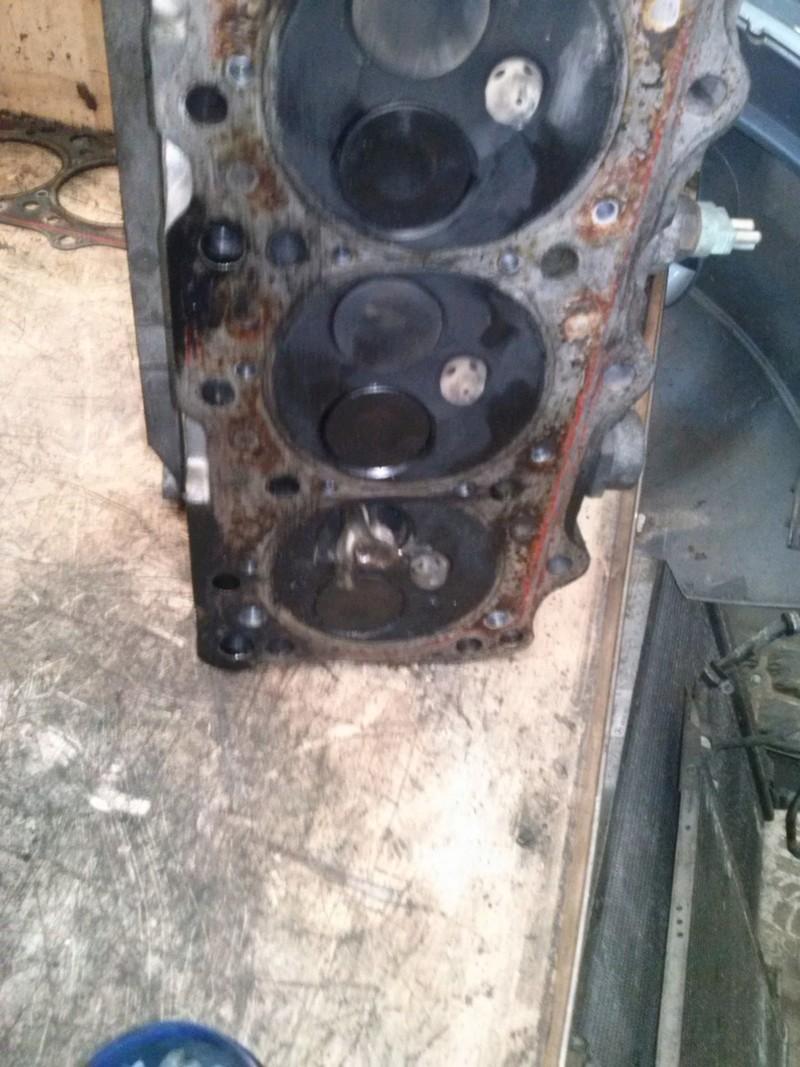 Remplacement moteur Vito MarcoPolo 110D de 98 Soupap10