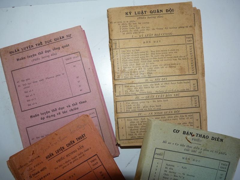 Carnets de ficches d'instruction ??? bilingues (FR-Vietnamien) P1150217