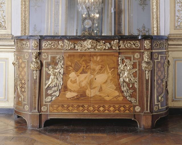 Le château de Saint-Cloud - Page 2 Commod10