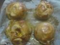 Pommes en chemises fourrées à la confiture d'abricots. photos. 15068810