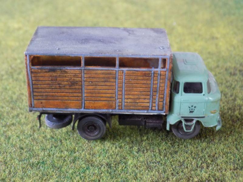 IFA W50 mit Viehaufbau Vieh-012