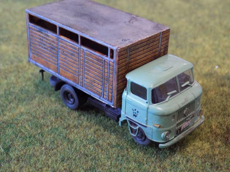 IFA W50 mit Viehaufbau Vieh-013